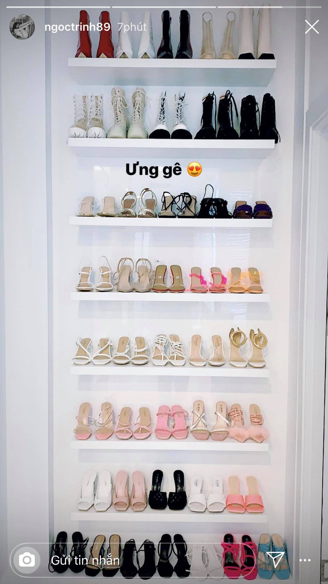 Vắng show chậu mùa dịch, Ngọc Trinh vẫn khoe thành quả mua sắm gây choáng: Sơ sơ cũng 40 đôi giày! - Ảnh 2.