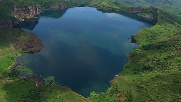 Bí mật chết người về hồ nước mang vẻ đẹp nên thơ