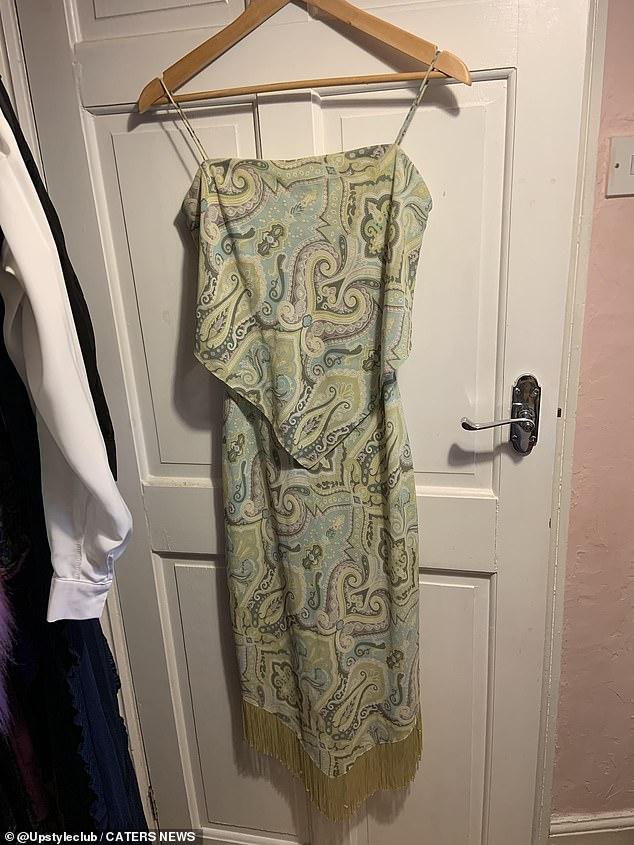 Nhà tạo mẫu mặc một chiếc váy hạ giá suốt 22 năm không bỏ, lời giải thích của cô khiến chị em mắt tròn mắt dẹt nhưng cũng phải gật đầu lia lịa - Ảnh 2.