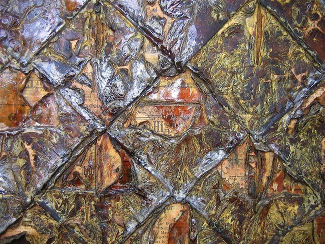 Chuyện kỳ lạ về ngôi nhà làm từ 100.000 tờ báo cũ, vững chãi hiên ngang suốt gần 1 thế kỷ vẫn không có dấu hiệu mục nát - Ảnh 13.