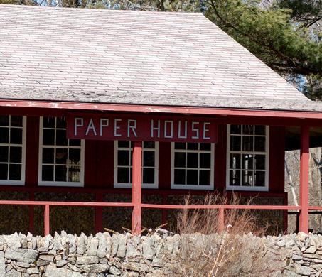 Chuyện kỳ lạ về ngôi nhà làm từ 100.000 tờ báo cũ, vững chãi hiên ngang suốt gần 1 thế kỷ vẫn không có dấu hiệu mục nát - Ảnh 4.