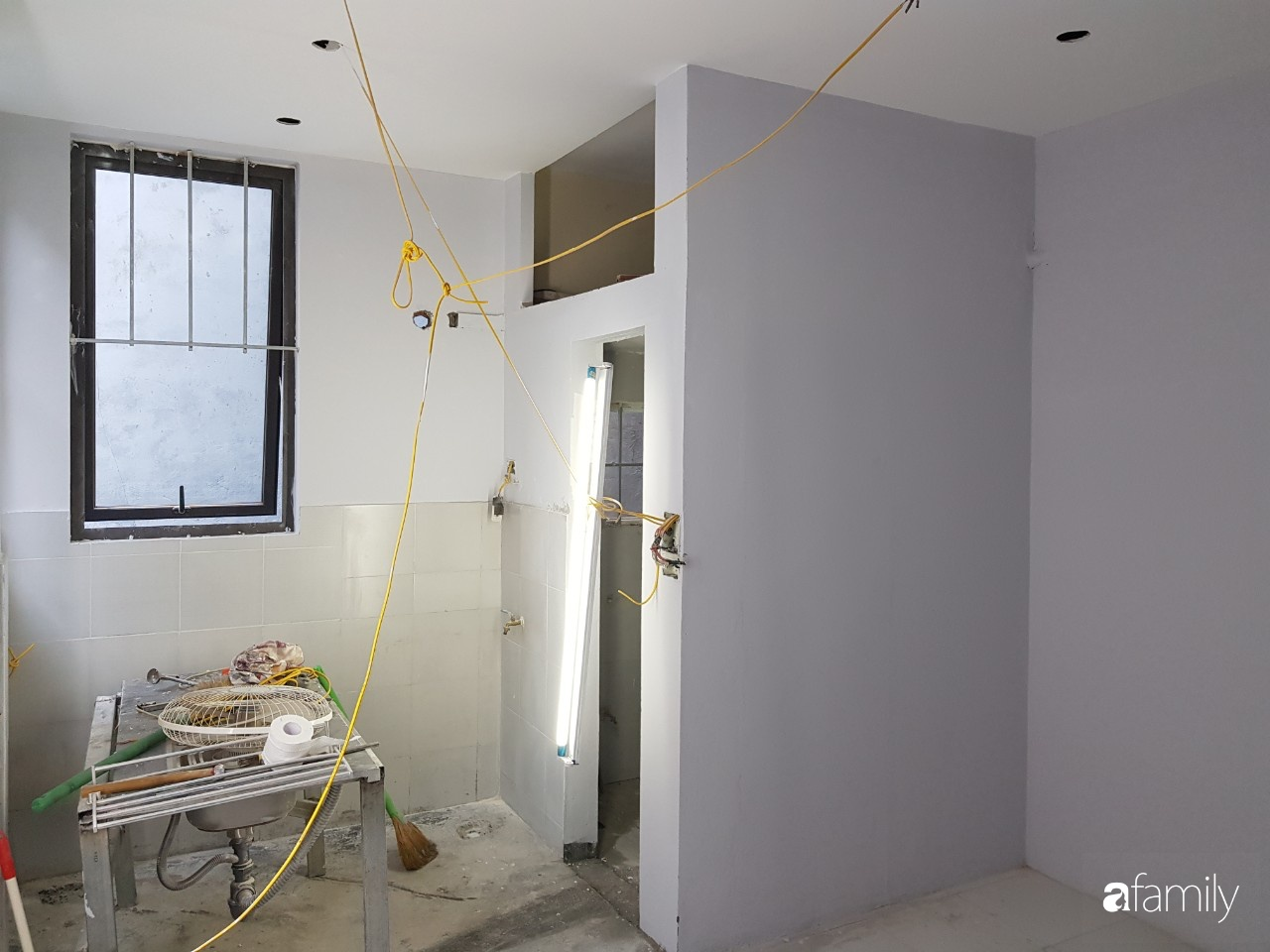 Căn hộ 18m² vừa chật vừa bí được cải tạo rộng đẹp hiện đại sau khi đập tường, bỏ gác xép ở Hà Nội - Ảnh 4.