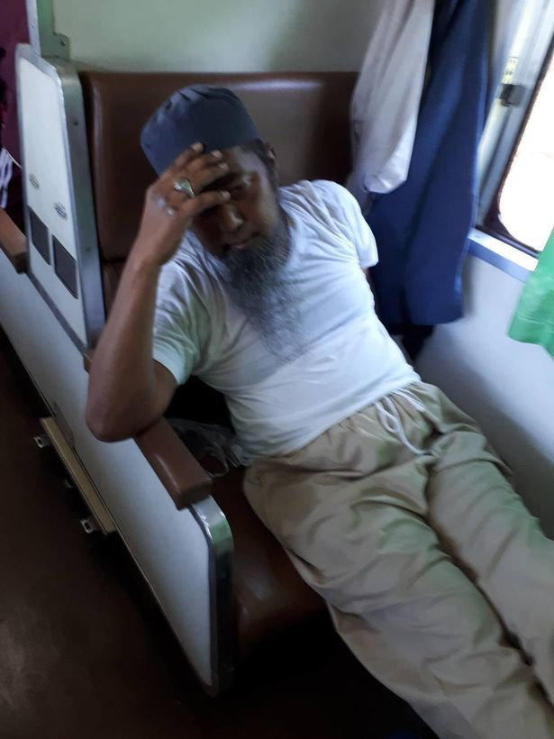 Covid 19 infected but deliberately spit on others a few minutes later the passengers on the train drooped limbs when witnessing the scene ahead | Internet