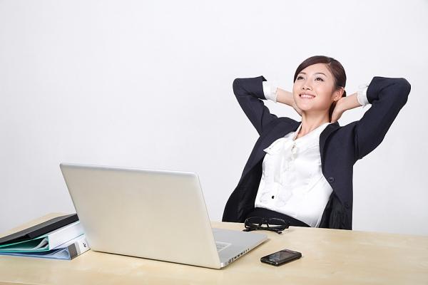 9 lời khuyên cho chị em làm việc tại nhà để không ảnh hưởng đến tư thế, điều quan trọng là hãy mặc áo ngực!  - Ảnh 4.