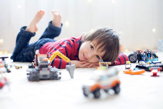 Gợi ý hàng loạt trò chơi chống chán trong nhà dành cho các bé trong thời gian nghỉ tránh dịch dài ngày – trò số 6 và 8 cực dễ chơi lại giúp kích thích óc sáng tạo của con - Ảnh 1.