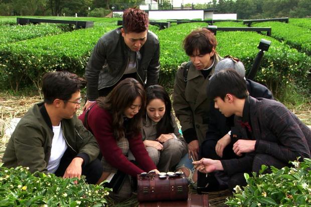 """Loạt show hài hước Hàn Quốc để """"cày"""" trong mùa dịch: Song Joong Ki - Son Ye Jin - BLACKPINK lầy lội, có cả HLV Park Hang Seo  - Ảnh 16."""