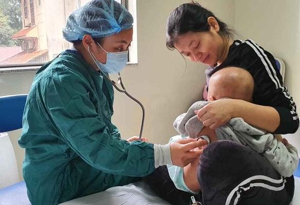 Bệnh nhi mắc Wiskott-Aldrich đầu tiên ở Việt Nam được ghép tủy điều trị thành công từ người chị gái ruột - Ảnh 1.