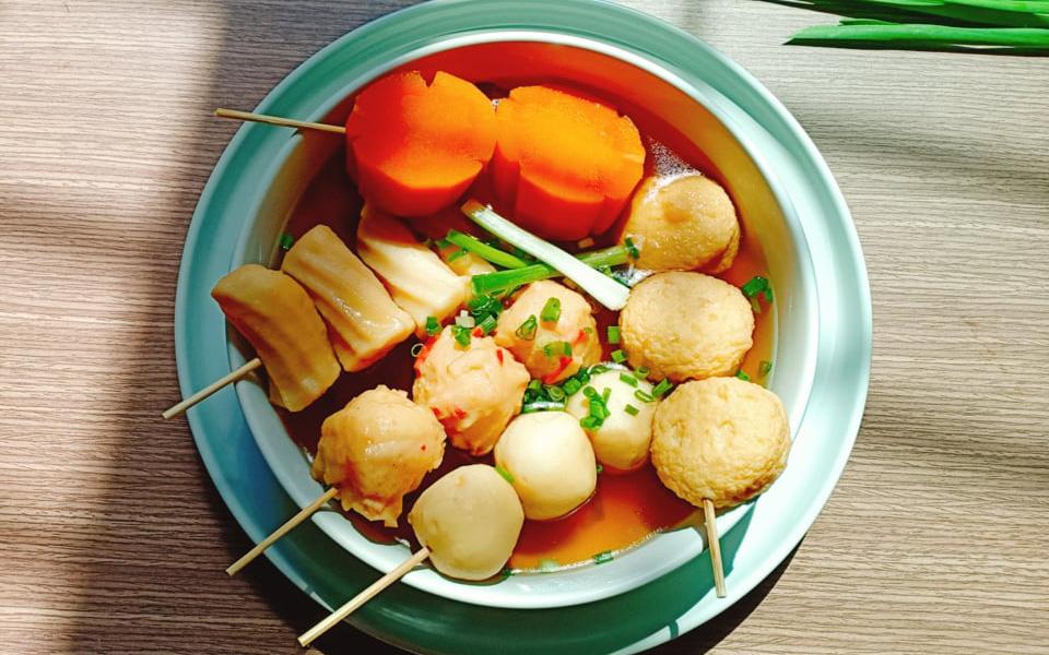 Cách nấu canh chả cá vừa ngon vừa đẹp đổi món cho cả nhà