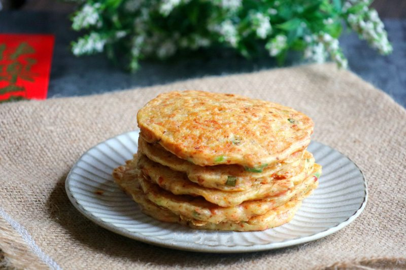 Bữa sáng làm bánh khoai tây cay giòn nóng hổi cả nhà xuýt xoa ăn hết trong nháy mắt - Ảnh 4.