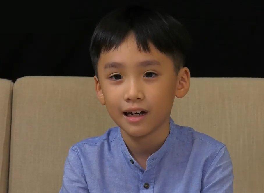 Mới học cấp 1 nhưng con trai của Thu Trang - Tiến Luật đã công khai có bạn gái, danh tính của cô bé càng gây bất ngờ - Ảnh 2.