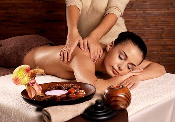 Chuyên gia Mỹ chỉ rõ 10 lợi ích hàng đầu của việc massage trị liệu dành cho mọi người - Ảnh 1.