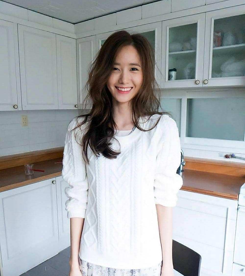 """Yoona cũng có ngày """"đầu bù tóc rối"""" nhưng nhan sắc đỉnh cao vẫn là điều khiến chị em gh - Ảnh 2."""