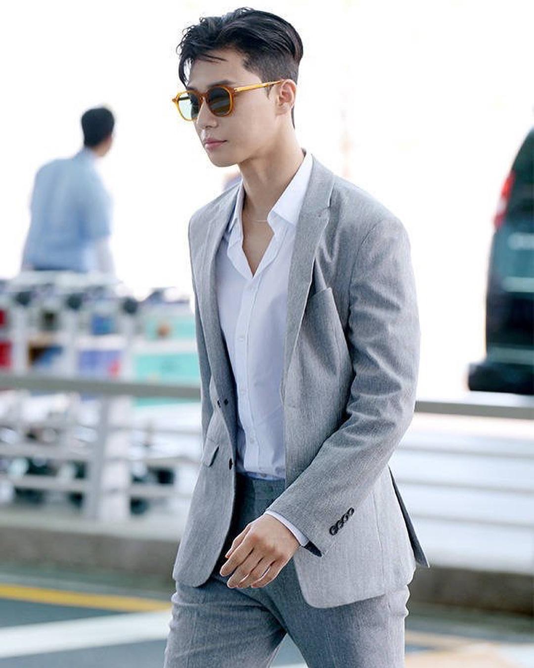 Ông chủ Danbam Park Seo Joon đúng là nam thần sân bay: Lúc như CEO đã giàu còn soái, khi đi dép xỏ ngón cũng ngầu như catwalk - Ảnh 5.