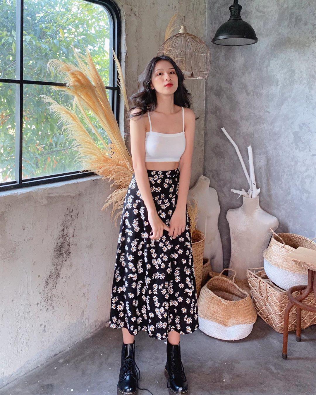 Lượn 10 shop này tại Sài Gòn, bạn chắc chắn tăm tia được chiếc váy hoa ưng ý mà chỉ phải bỏ ra vài trăm