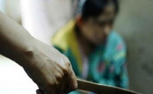 Nha Trang: Vợ nhậu khuya bị chồng đâm chết - Ảnh 1.