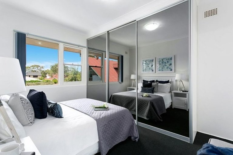 Nhân đôi diện tích dễ dàng cho phòng ngủ nhỏ nhờ sử dụng gương thông minh - Ảnh 9.