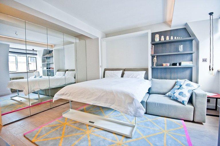 Nhân đôi diện tích dễ dàng cho phòng ngủ nhỏ nhờ sử dụng gương thông minh - Ảnh 3.
