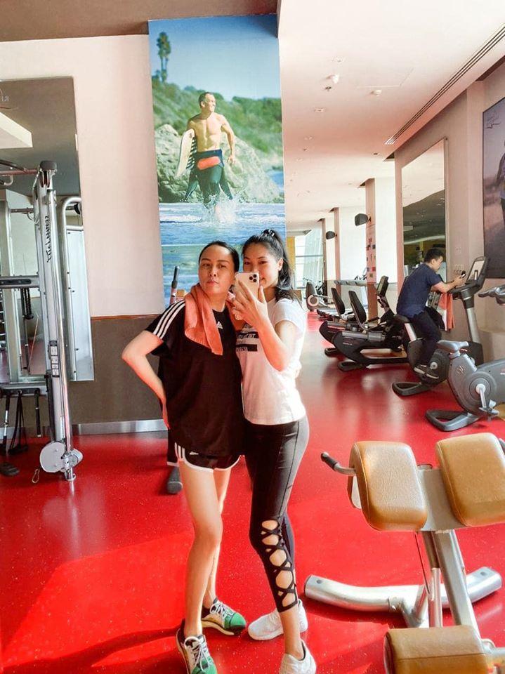 Phượng Chanel 40+ vẫn tự tin khoe chân dài nuột nà thẳng tắp: Thành quả của việc chăm chỉ tập yoga, chạy bộ 1 tiếng mỗi ngày - Ảnh 7.