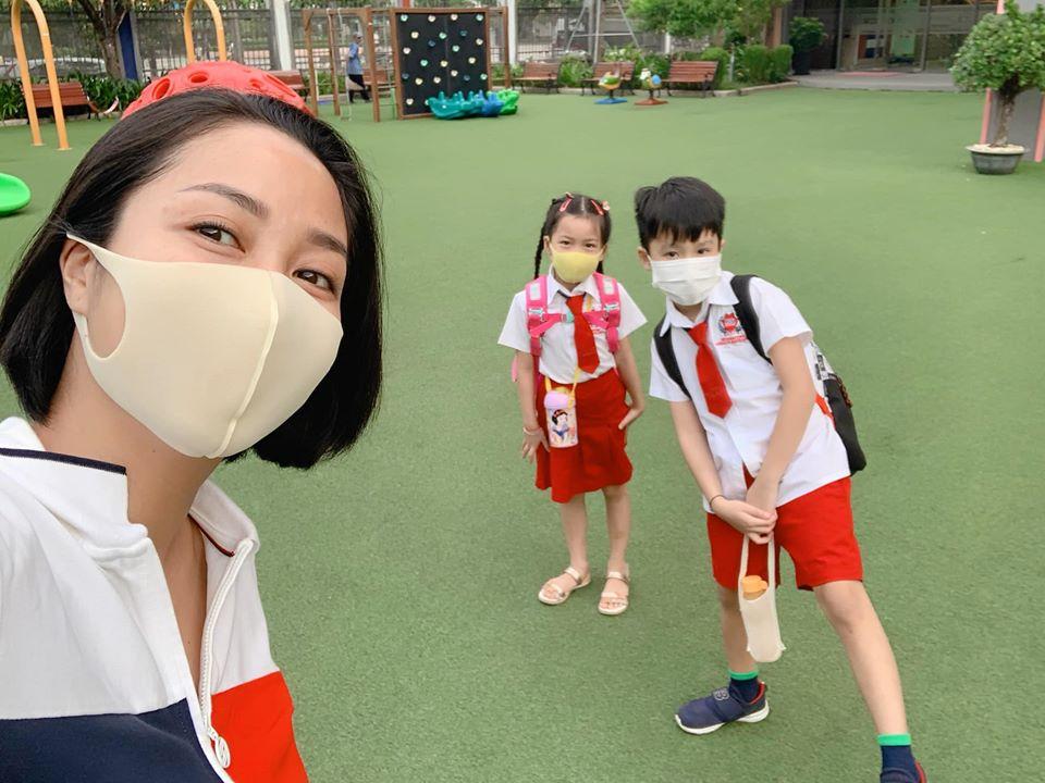 """Con trai út Ốc Thanh Vân khiến mẹ cười nghiêng ngả trong ngày đầu đi học lại, ai nấy hào hứng bình luận """"4 tháng nghỉ lâu quá mà"""" - Ảnh 6."""