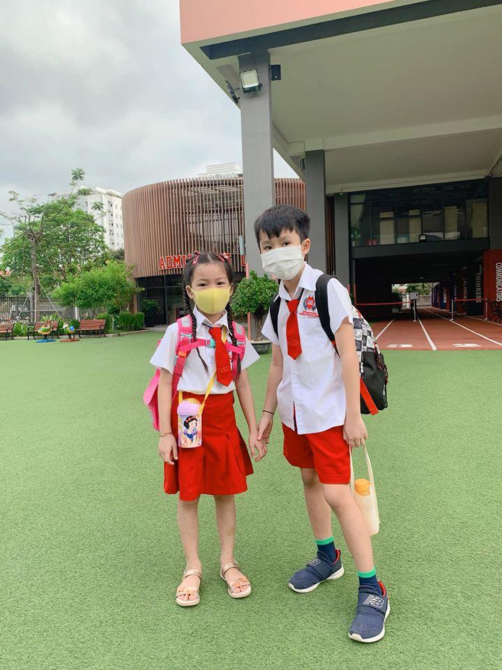 """Con trai út Ốc Thanh Vân khiến mẹ cười nghiêng ngả trong ngày đầu đi học lại, ai nấy hào hứng bình luận """"4 tháng nghỉ lâu quá mà"""" - Ảnh 5."""
