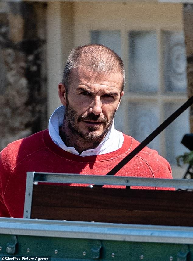 David Beckham lộ dấu hiệu tuổi tác rõ nét khi xuất hiện với mái tóc thưa thớt, không còn vẻ ngoài bóng bẩy như ngày thường - Ảnh 1.