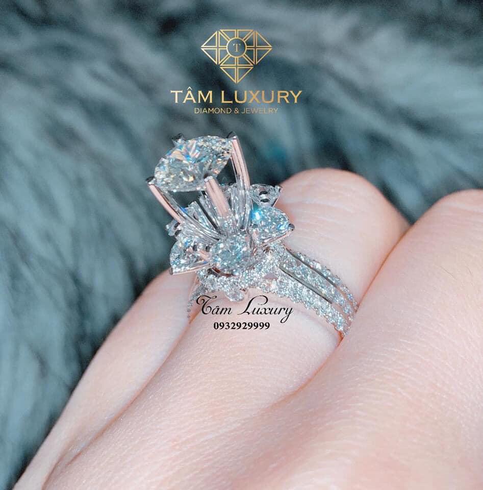 Chuyên gia kim cương Lê Văn Tâm- Tâm Luxury gợi ý cách phân biệt kim cương thiên nhiên và nhân tạo - Ảnh 1.