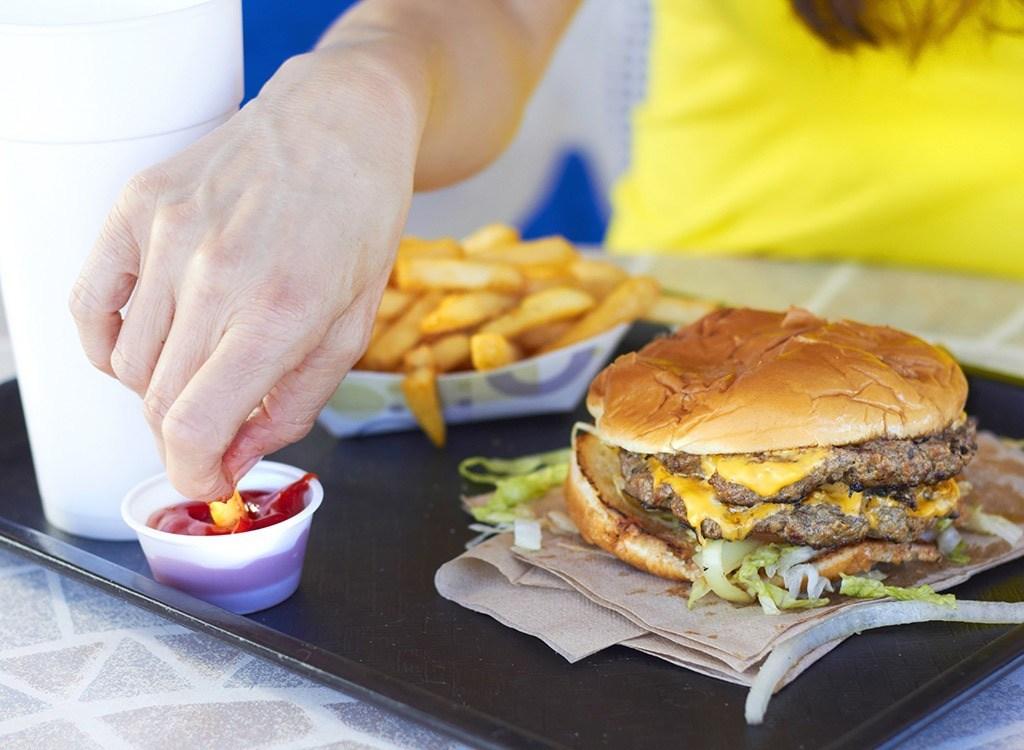 """7 thực phẩm được chứng minh càng ăn sẽ càng gây đói, gây tăng cân và """"phá hủy"""" sắc đẹp cực nhanh - Ảnh 9."""
