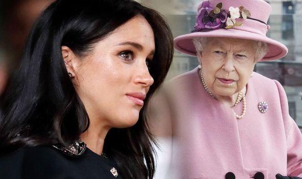 """Cuốn nhật ký bí mật của Meghan Markle: Đòn chí mạng dành cho Nữ hoàng Anh hay là """"nấm mồ"""" chôn vùi tất cả của nàng dâu hoàng gia? - Ảnh 1."""