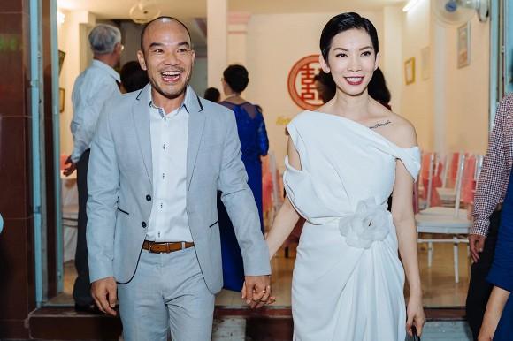 """Siêu mẫu Xuân Lan lần đầu tiết lộ hình ảnh trong lễ ăn hỏi bí mật, kể chuyện đám cưới """"chớp nhoáng"""" với ông xã Việt Kiều - Ảnh 6."""