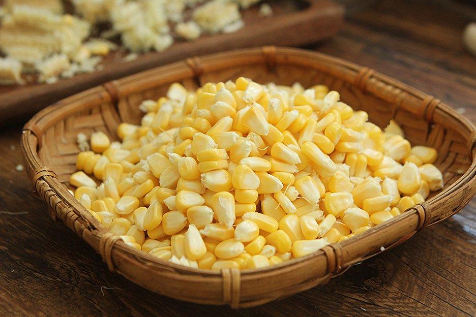Mẹo hay cực dễ để tách hạt ngô tươi mà không bị nát - Ảnh 5.