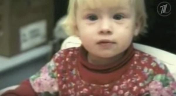 Mắc hội chứng hiếm phải cưa mất 2 chân và cho vào trại trẻ mồ côi, 20 năm sau, bé gái khiến cả thế giới phải ngưỡng mộ - Ảnh 1.