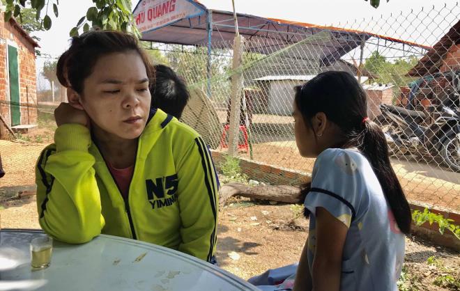 Sập tường 10 người chết ở Đồng Nai: Tang thương bao phủ gia đình nghèo kiệt quệ - Ảnh 2.
