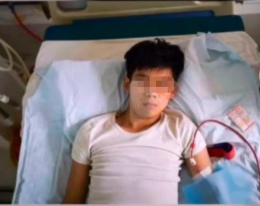 Gây xôn xao MXH Trung Quốc vì bán thận mua iPhone 4, 9 năm sau nam thanh niên này đã có cuộc sống ra sao bên chiếc điện thoại đó? - Ảnh 2.