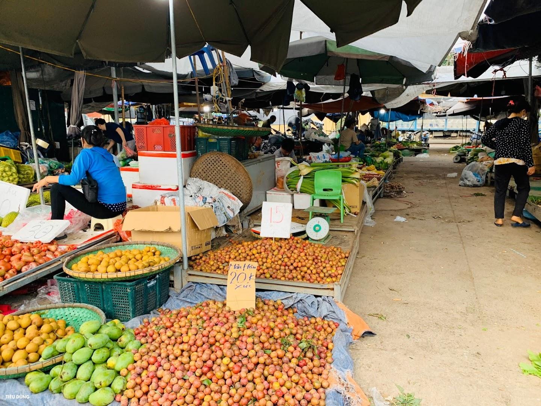 Đầu mùa vải giá 50.000 đồng/kg nhưng vị còn khá chua, cam Sài Gòn xuống chợ giá rẻ - Ảnh 7.