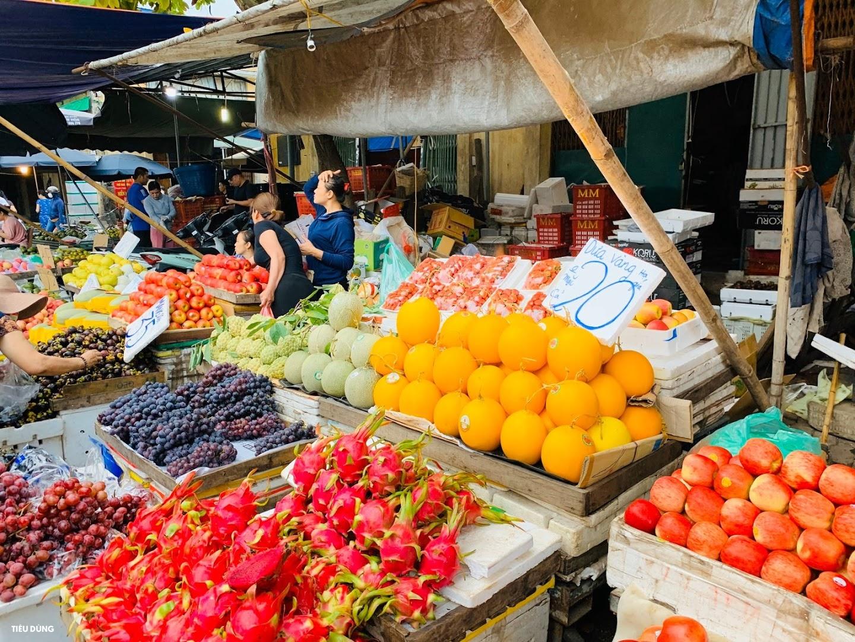 Đầu mùa vải giá 50.000 đồng/kg nhưng vị còn khá chua, cam Sài Gòn xuống chợ giá rẻ - Ảnh 8.