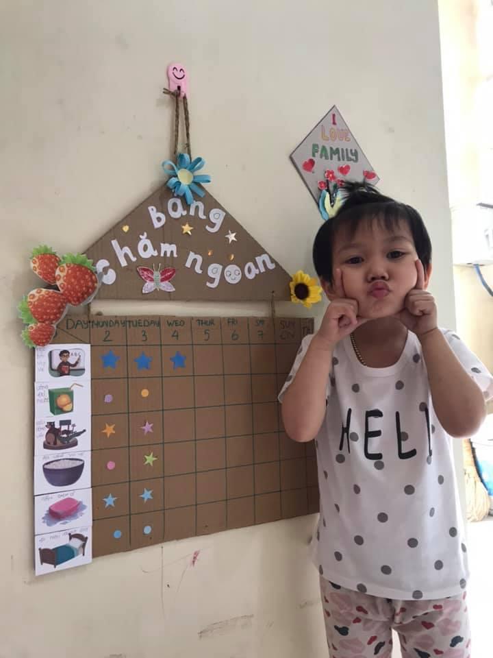 """Bà mẹ Hải Phòng tận dụng 3 tháng nghỉ dịch để dạy chữ cho con, thú vị nhất là thử thách """"7 ngày sáng tạo"""" giúp bé vui chơi thỏa thích - Ảnh 5."""