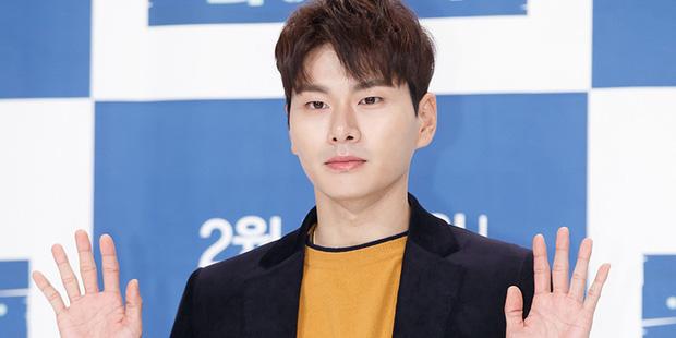 10 diễn viên Kbiz xuất thân trâm anh thế phiệt: Tài tử The Heirs giàu nứt khố đổ vách, Siwon là hậu duệ vua Hàn Quốc - Ảnh 10.