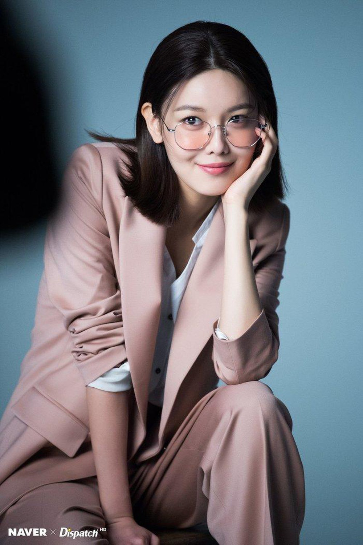 10 diễn viên Kbiz xuất thân trâm anh thế phiệt: Tài tử The Heirs giàu nứt khố đổ vách, Siwon là hậu duệ vua Hàn Quốc - Ảnh 6.