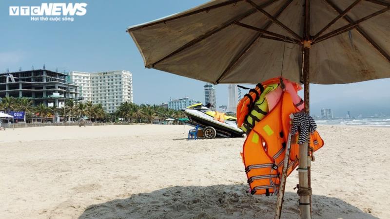 Những phút thanh bình ở bãi biển 'đẹp nhất hành tinh' dịp lễ 30/4-1/5 - Ảnh 5.