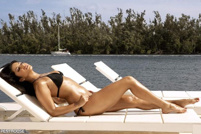 Dù đã U40 nhưng nữ diễn viên xinh đẹp Katrina Kaif vẫn sở hữu thân hình sắc chắc và vòng eo con kiến, tất cả là nhờ vào hai môn thể dục này - Ảnh 3.