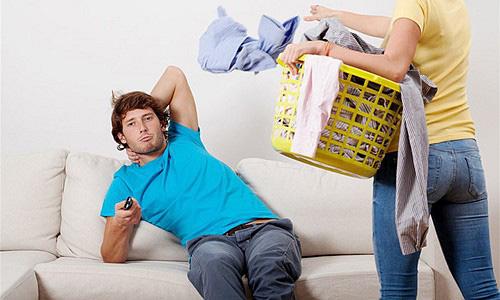 Không bao giờ làm việc nhà vì nghĩ mình là trụ cột kinh tế - thói xấu đàn ông nên bỏ ngay - Ảnh 2.