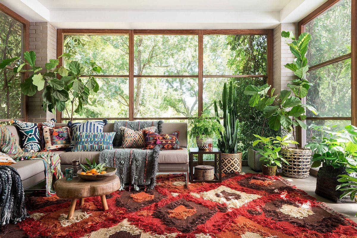 Sắc màu tạo sức sống cho căn phòng hứng nắng đón mùa hè - Ảnh 1.