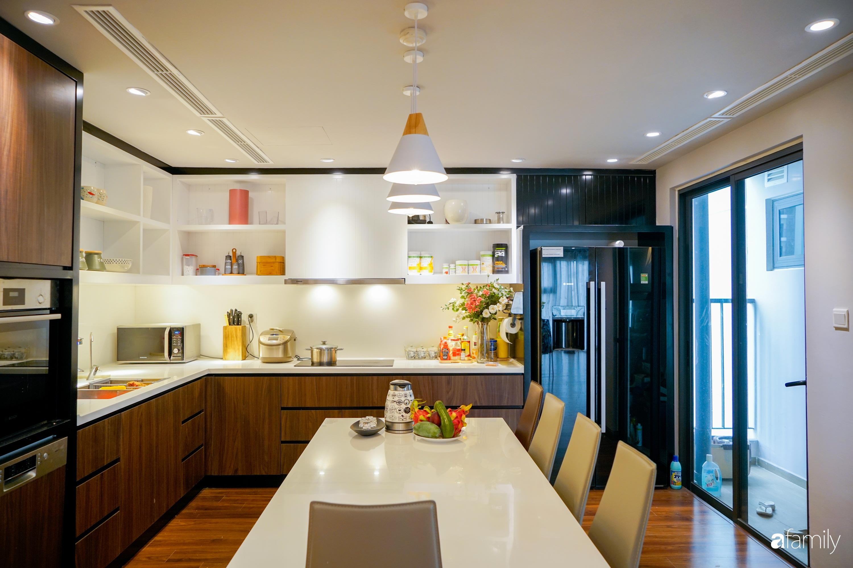 """Căn hộ 150m² có view đắt giá cùng cách thiết kế nội thất """"chanh xả"""" với chi phí khủng 850 triệu đồng ở ngoại thành Hà Nội - Ảnh 11."""