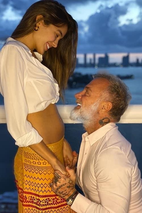 """Mãn nhãn với vô vàn khoảnh khắc tình tứ của cặp đôi đúng chất """"sugar daddy"""" ở phương Tây, hơn kém nhau 27 tuổi - Ảnh 1."""