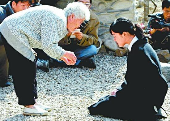 """Mỹ nhân """"Mối tình đầu"""" Lee Seung Yeon: Nàng Á hậu từng làm điên đảo cả Châu Á cuối cùng ngậm đắng nuốt cay vì scandal chấn động, quỳ gối cầu xin cũng không được tha thứ  - Ảnh 6."""