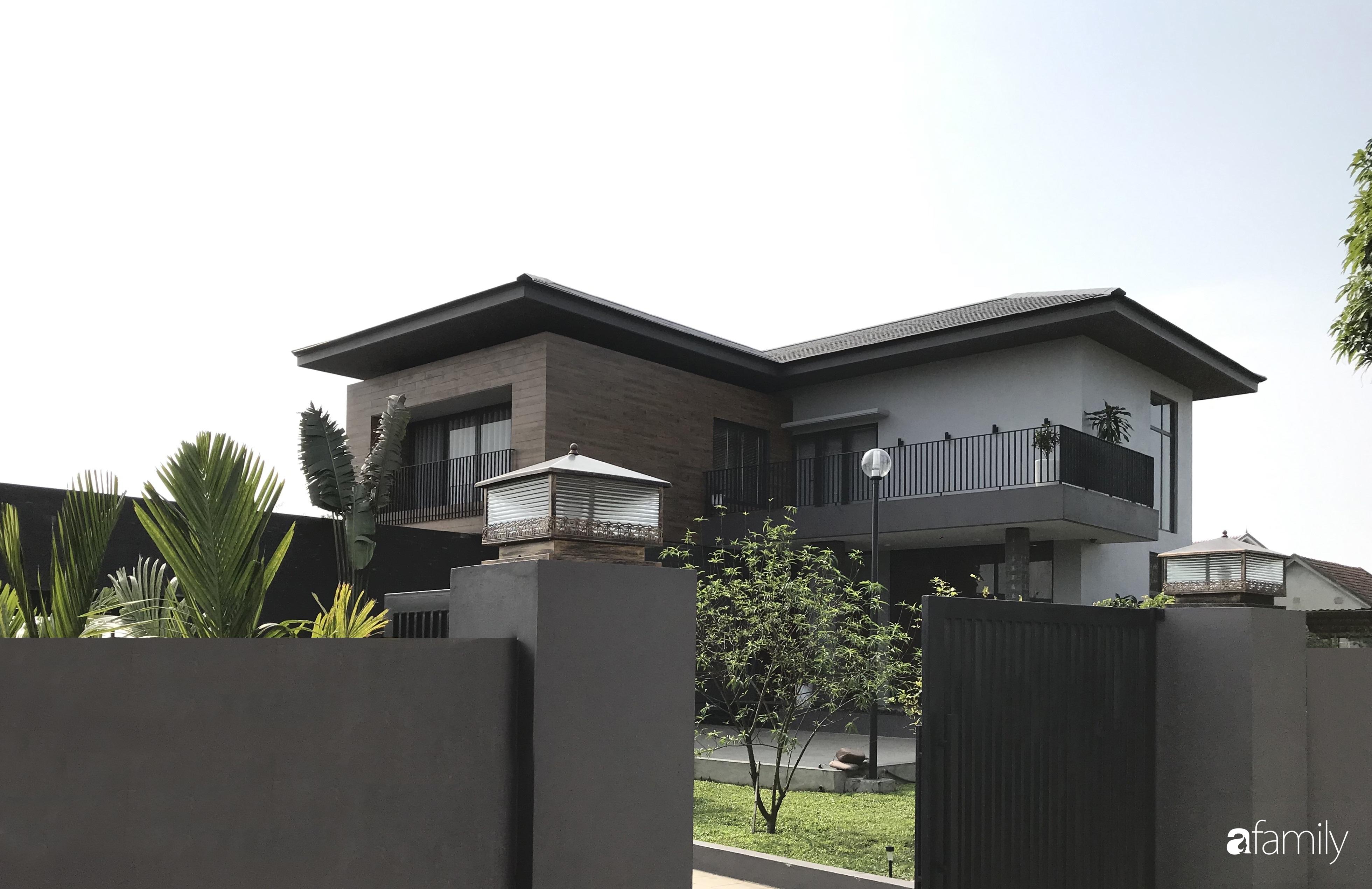 Con trai là KTS xây nhà 2 tầng nhìn thẳng ra cánh đồng lúa với thiết kế tiện dụng cho bố mẹ già ở Hà Tĩnh - Ảnh 3.