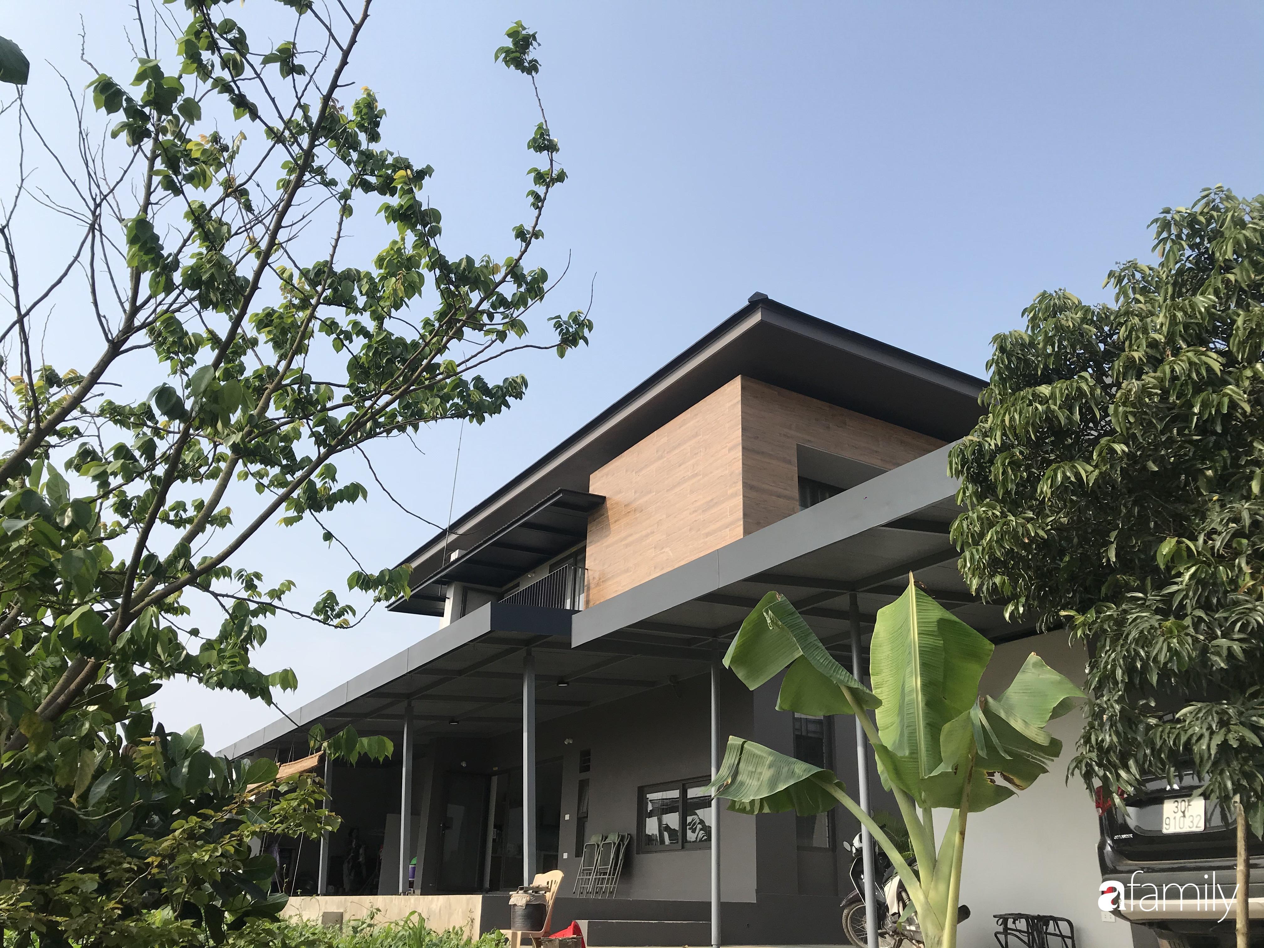 Con trai là KTS xây nhà 2 tầng nhìn thẳng ra cánh đồng lúa với thiết kế tiện dụng cho bố mẹ già ở Hà Tĩnh - Ảnh 4.