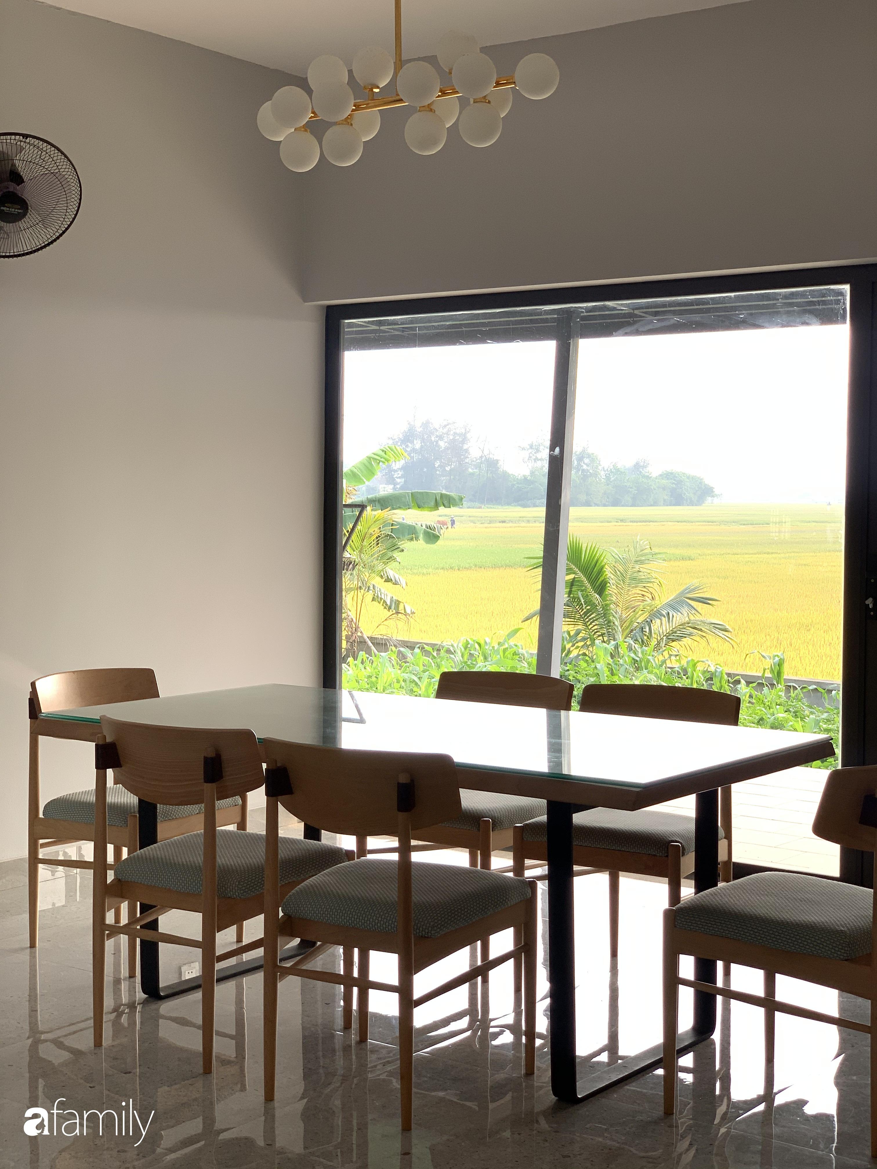 Con trai là KTS xây nhà 2 tầng nhìn thẳng ra cánh đồng lúa với thiết kế tiện dụng cho bố mẹ già ở Hà Tĩnh - Ảnh 17.