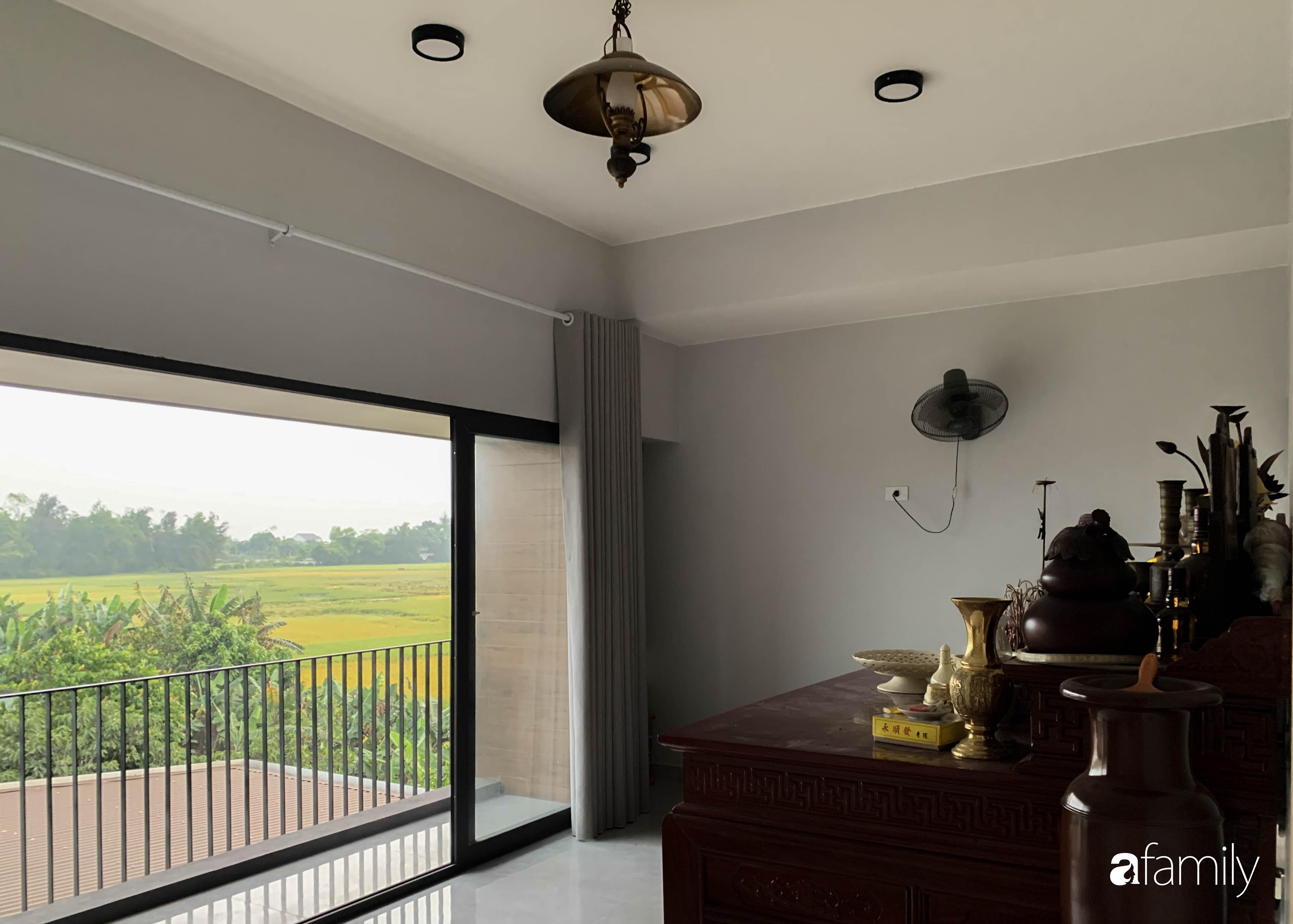 Con trai là KTS xây nhà 2 tầng nhìn thẳng ra cánh đồng lúa với thiết kế tiện dụng cho bố mẹ già ở Hà Tĩnh - Ảnh 21.