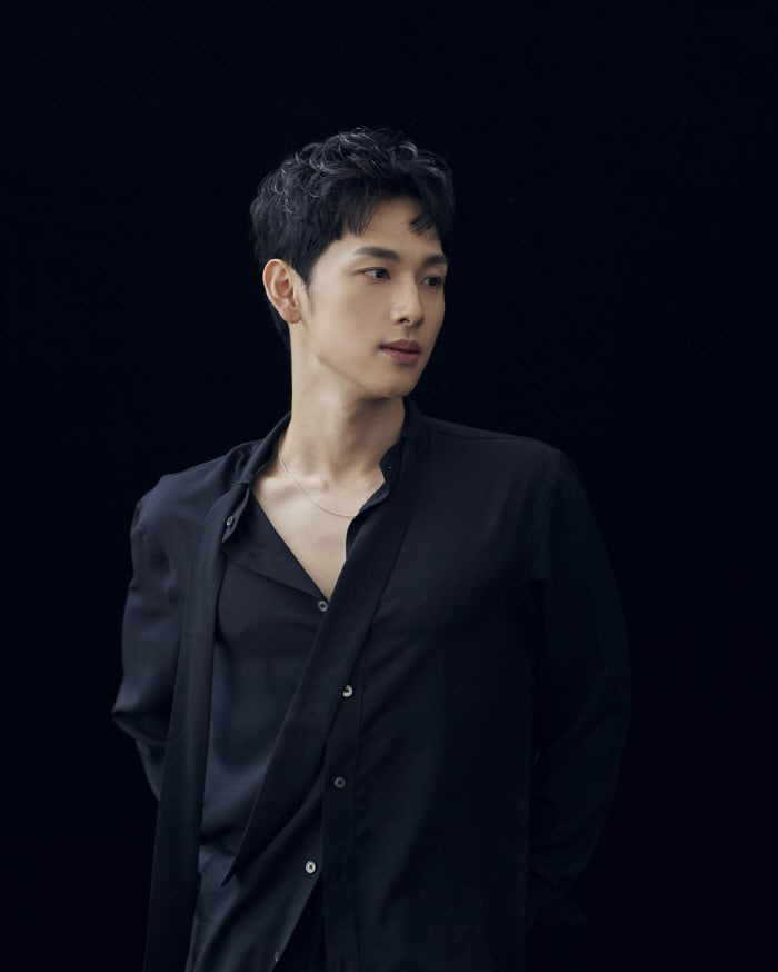 10 sự thật ngẫu nhiên cực thú vị về dàn nam thần Hàn Quốc: Song Joong Ki từng làm điều này trong quân ngũ, Lee Jong Suk hóa ra giống mỹ nhân đình đám và cả loạt câu chuyện bất ngờ khác - Ảnh 16.